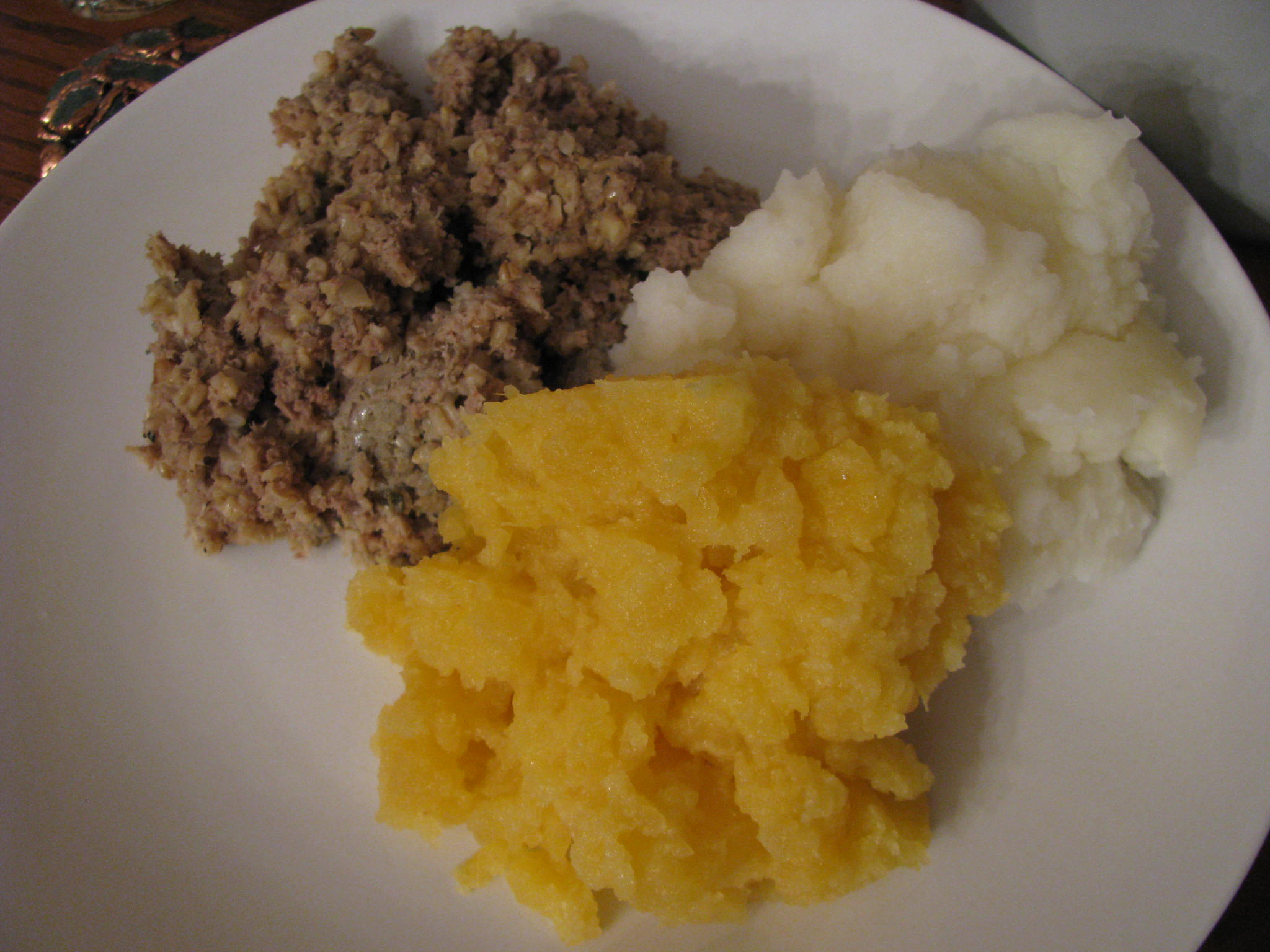 Haggis from scratch step by step columbus food adventures traditional haggis recipes call for a sheeps stomach and a sheeps pluck heart lungs windpipe and liver unfortunately it is impossible forumfinder Gallery